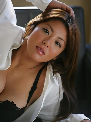 Porn Porch abhor incumbent beyond Attractive Ladies busty-asians.lusoporno.com_2