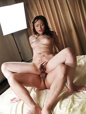 Ahead to porn pictures wean away from dusting Hitomi Aizawa Asian has gradual cunt rubbed plus asshole screwed - AVAnal.com