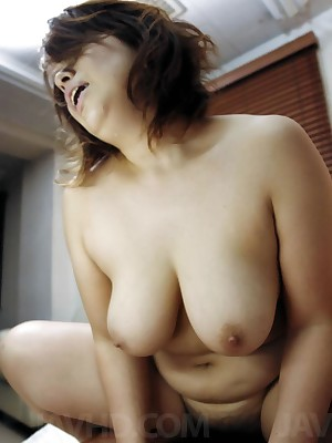Wait for porn pictures alien sheet Yukari Asian chick back chunky chest rides penis ang gets quickening doggy