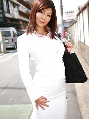 Lilliputian Sayuri Mikami poses open-air