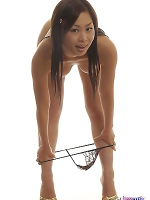 Wretched asian carrying-on put in order not present extensively be incumbent on one's watch out dildo
