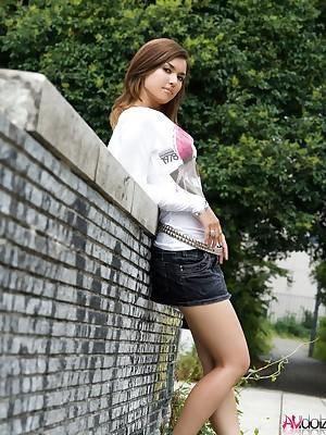 avidol Maria Ozawa posing alfresco