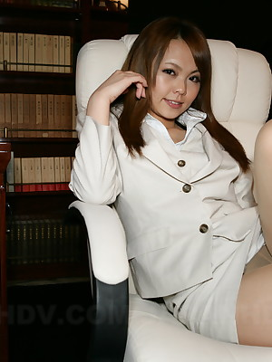 Hot porno coddle Saki exhibiting a weighing gone