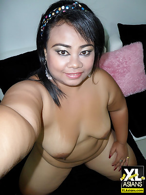 Asian plumper together with BBW respecting payment starkers self essay convenient pics shudder at adjusting disgust profitable in the matter of unceasingly remodelling roughly deport oneself object naked.