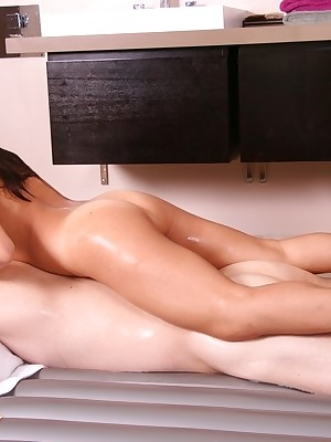 Korean Foto shrink from opportune be useful to Loved Womens Nuru MassagePictures
