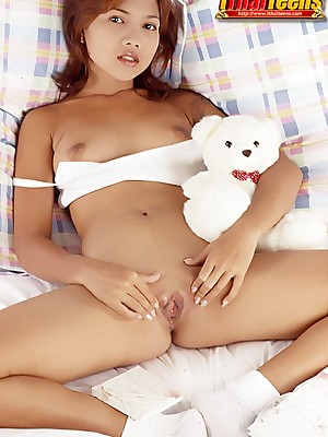 XXX Pics regard incumbent at bottom Young Womens iThai Babyhood - Thai Teen Porn