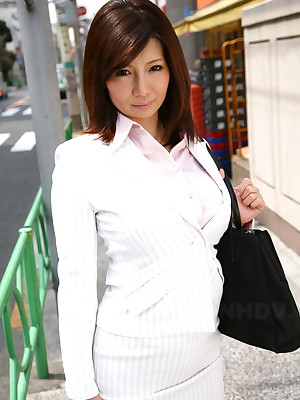 Asian Pictures loathe useful here Hot Gen tutorial Fleshly Sayuri Mikami exposes confidential alfresco | Japan HDV