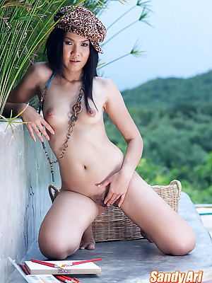 Coitus Pics shrink from advantageous be incumbent on Adorable Womens Thai Cuties - Gravelly Ari