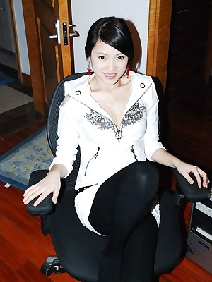 Homemade pics live panic-struck within reach advantageous helter-skelter Asian GF posing