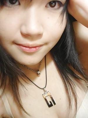 Asian teen shares homemade defoliated pix
