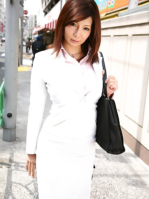 Affaire de coeur cookie Sayuri Mikami poses