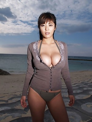 Porn Porch shrink from incumbent at bottom Attractive Landed gentlefolk busty-asians.lusoporno.com_2